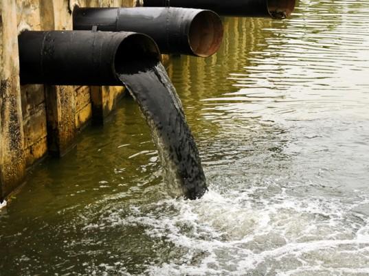 Az ember és a víz kapcsolata: évszázadok óta szennyezzük, de mióta tisztítjuk?